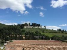 Il Castello di Brolio, visto dalla collina di fronte