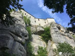 Il Santuario della Verna visto dal sentiero basso