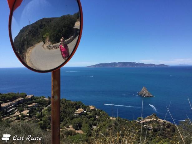 Chiara, Argentarola davanti a Cala Moresca, e l'Isola del Giglio