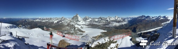 Panoramica sul Cervino e le montagne ai suoi lati