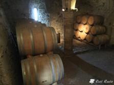 Botti di vino nel Castello di Chillon, Veytaux, Grand Tour of Switzerland