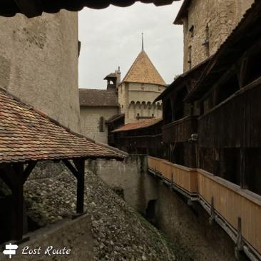 Camminamenti all'interno del Castello di Chillon, Veytaux, Grand Tour of Switzerland