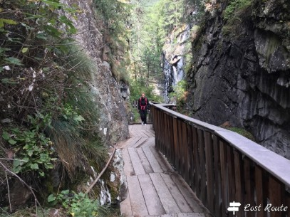 Chiara lungo la Gorner Gorge, Zermatt, Valais, Grand Tour of Switzerland