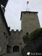 Cortile all'interno del Castello di Chillon, Veytaux, Grand Tour of Switzerland