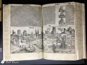 Documenti storici in esposizione al Castello di Chillon, Veytaux, Grand Tour of Switzerland