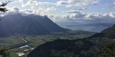 La vista sul Lago Lemano dal Nid d'Aigle, Leysin, Vaud, Grand Tour of Switzerland