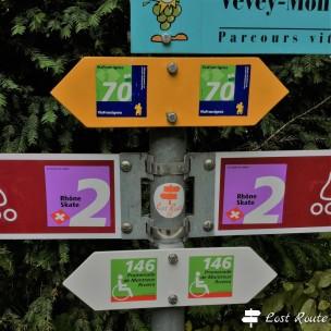Sulla Via Francigena davanti al Castello di Chillon, Veytaux, Vaud, Grand Tour of Switzerland