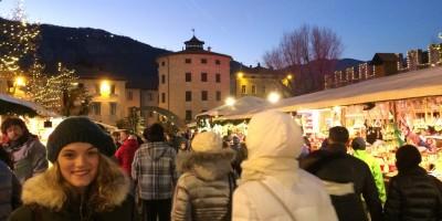 Chiara al mercatino di Natale di Trento