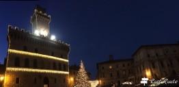 Il Municipio di Montepulciano in Piazza Grande, Siena, Toscana