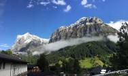 Il Wetterhorn, 3692 mt, a sinistra, ed il Mattenberg, 3050 mt, Grindelwald, Berna, Grand Tour of Switzerland