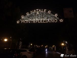 Natale a Montepulciano, luci di ingresso al borgo, Siena, Toscana