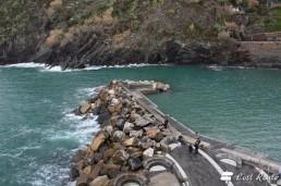 Il molo di attracco alla Marina di Vernazza, Cinque Terre, Liguria
