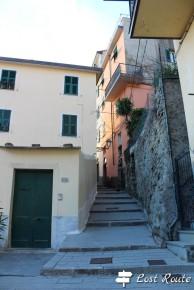 La salita al Castello di Riomaggiore, Cinque Terre, Liguria