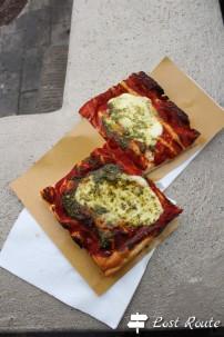 Pizza al pesto per merenda, Vernazza, Cinque Terre, Liguria